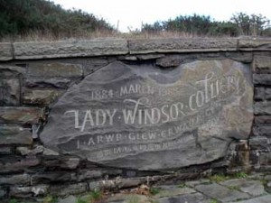 Commemorative plaque at the Lady Windsor Colliery