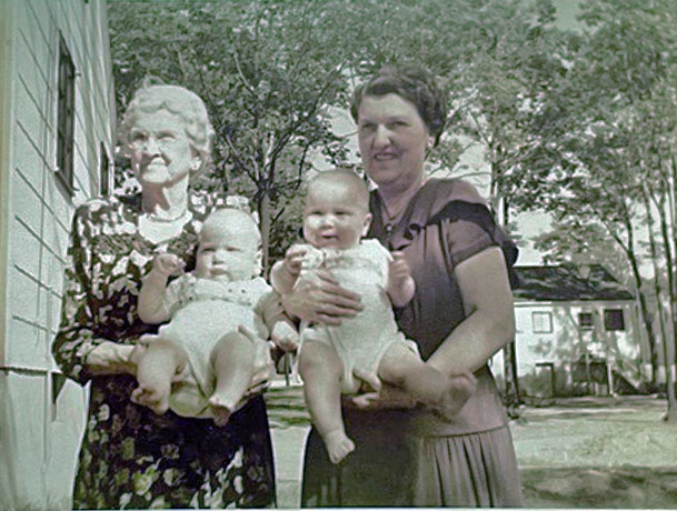 June 1952 Lydia, Beatrice and the twins